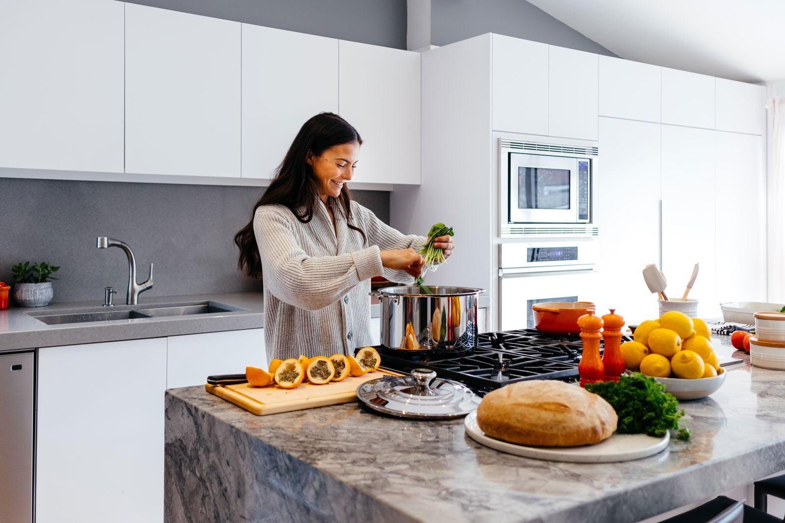 Những điều cần lưu ý trước khi quyết định làm tủ bếp