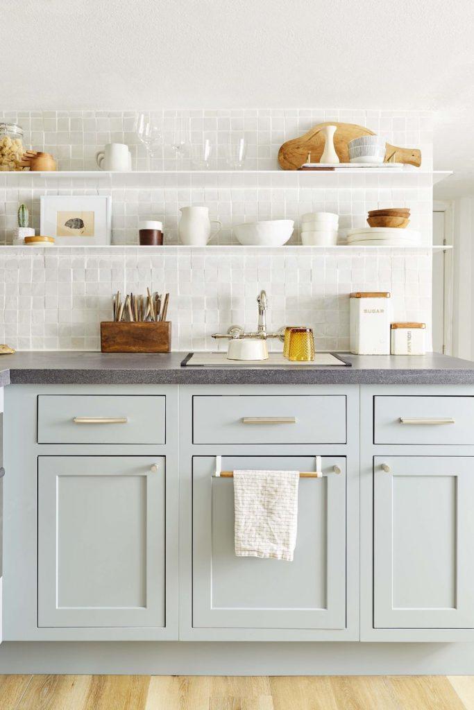 18 y tuong nha bep day mau sac lam bung sang ngoi nha ban 1 683x1024 - 18 ý tưởng nhà bếp đầy màu sắc làm bừng sáng ngôi nhà bạn