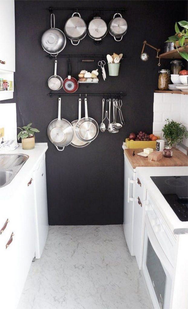 40c1f3f9fda4a77a3216f8885bef2f92 622x1024 - Muốn tủ bếp lúc nào cũng gọn gàng, ngăn nắp? Thử ngay những thiết kế này nhé!