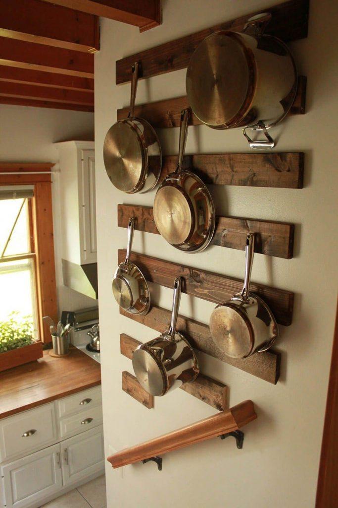 7 683x1024 - Muốn tủ bếp lúc nào cũng gọn gàng, ngăn nắp? Thử ngay những thiết kế này nhé!