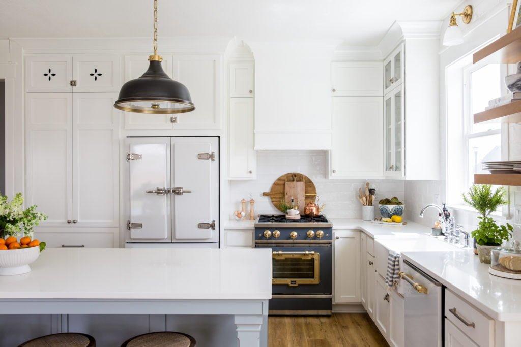 LindsaySalazar.com 10 1024x683 1 - Muốn tủ bếp lúc nào cũng gọn gàng, ngăn nắp? Thử ngay những thiết kế này nhé!