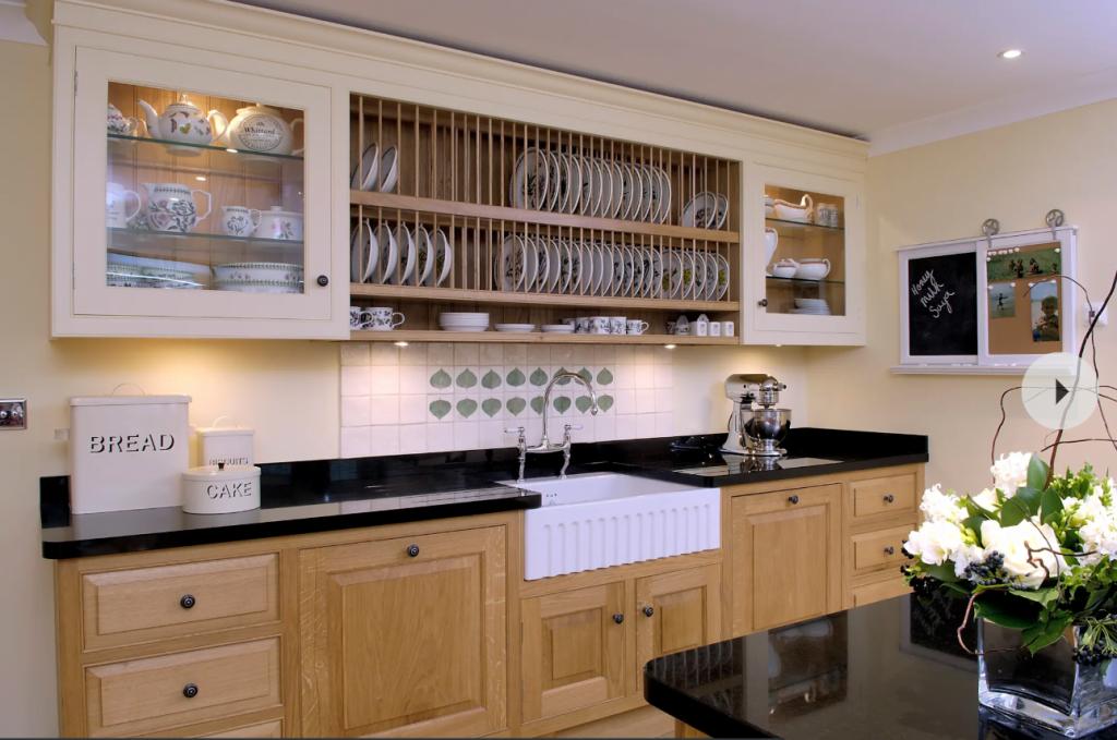 Screenshot 11 1024x679 - 10 mẫu tủ bếp thông minh - đẹp mê hồn