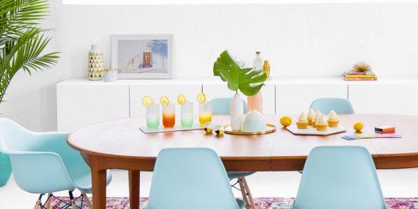Trang trí bàn ăn tuyệt đẹp giúp thắp sáng căn bếp nhà bạn dịp Giáng sinh này