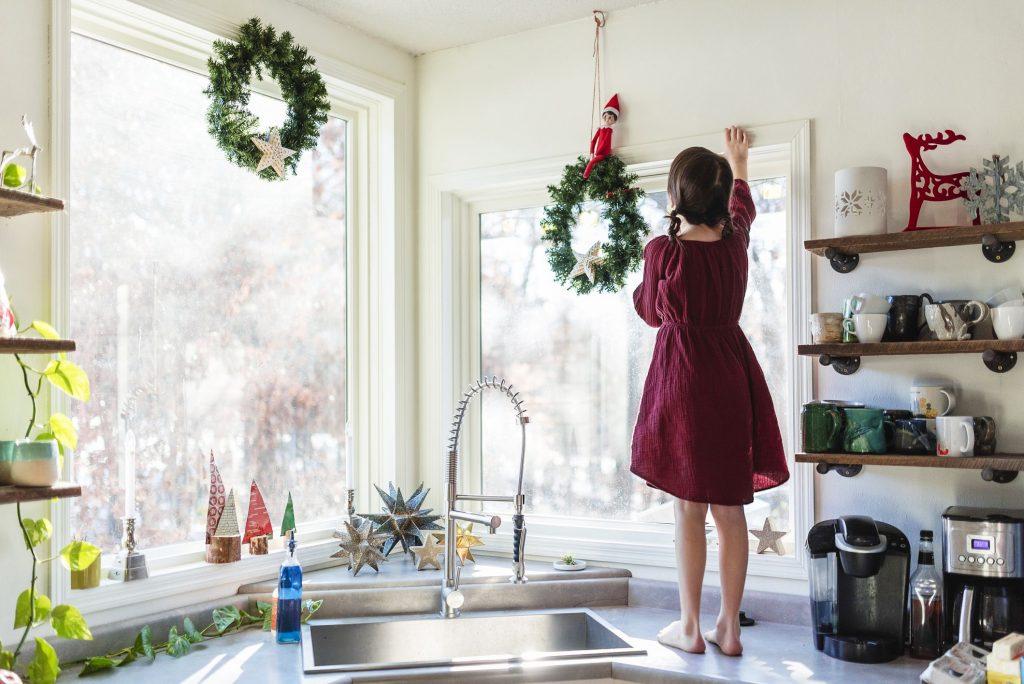 christmas kitchen decor 1 1566928355 1024x684 - Giáng sinh đến rồi - trang trí bếp thôi!
