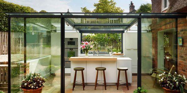 Nhà bếp trong hộp kính đẹp như mơ