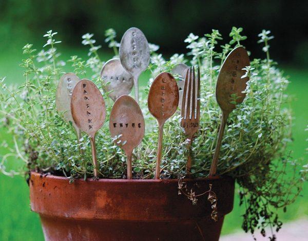 Meo hay hoi sinh do dung nha bep 3 600x470 - Mẹo hay: Hồi sinh đồ dùng nhà bếp cho khu vườn trong mơ